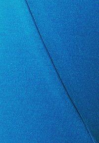 Calvin Klein Underwear - STRETCH LOW RISE TRUNK 3 PACK - Pants - blue - 6