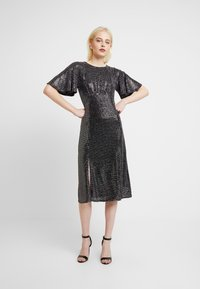 Dorothy Perkins - SLEEVE MIDI DRESS - Cocktail dress / Party dress - silver - 2