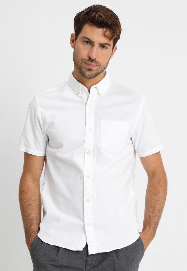 BASIC OXFORD - Shirt - optic white