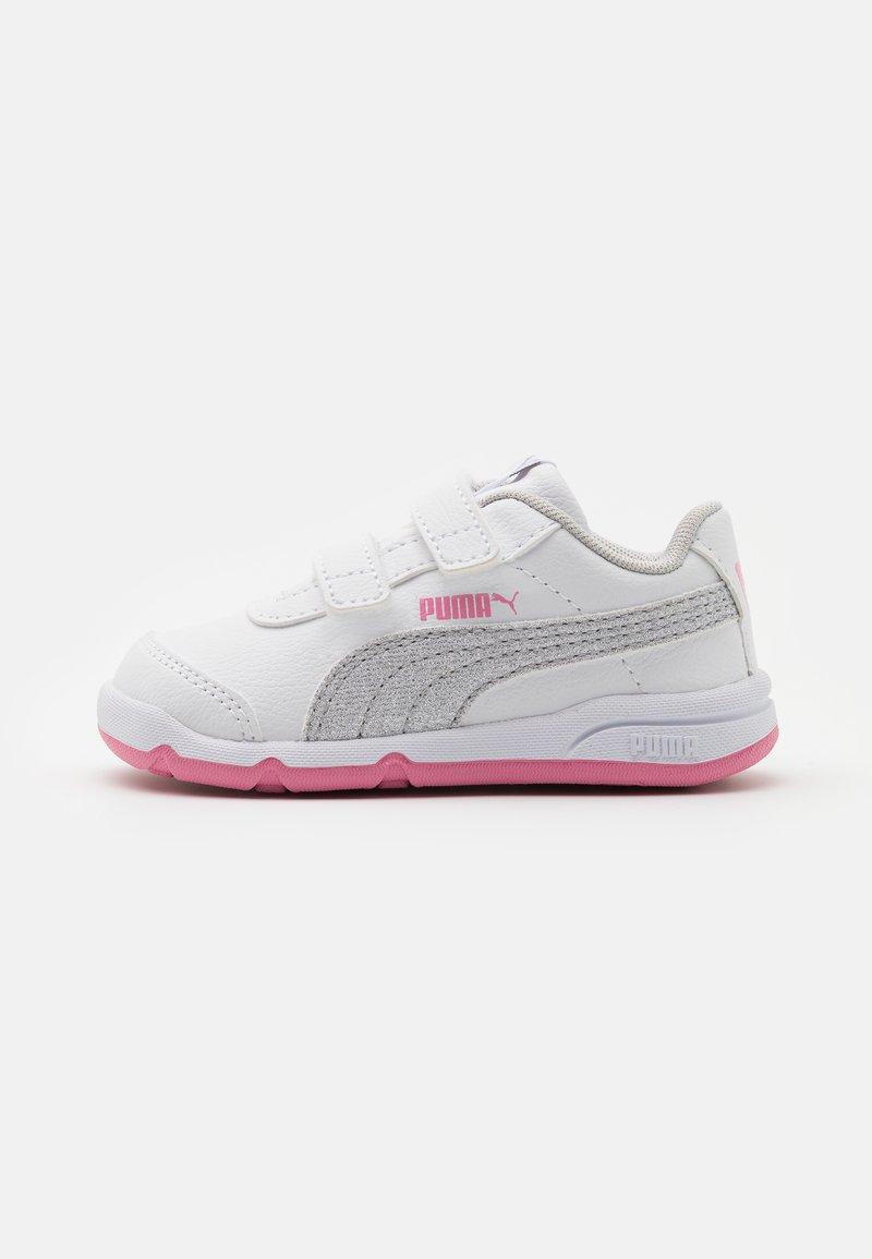 Puma - STEPFLEEX 2 UNISEX - Sportschoenen - white/silver/sachet pink