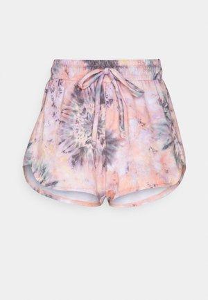 DIVINE SHORT - Pantalón corto de deporte - strawberry fields