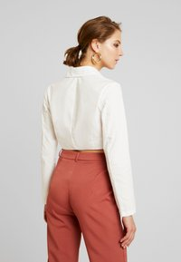 Missguided - PLUNGE CORSET STYLE SHIRT - Blouse - white - 2