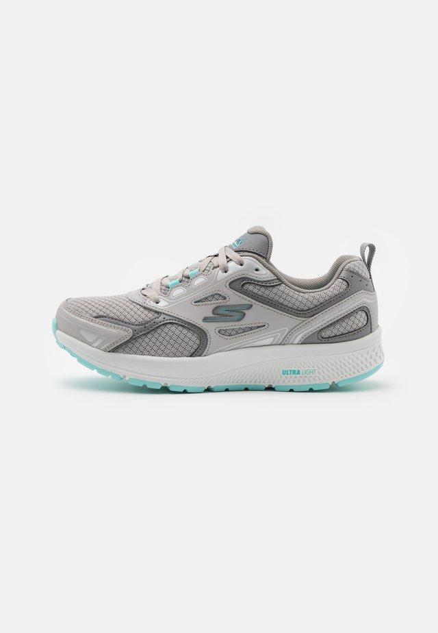 GO RUN CONSISTENT - Scarpe running neutre - gray/turquoise