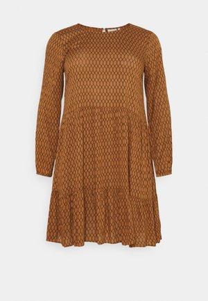 CARLA DRESS - Denní šaty - thruch
