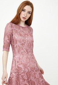 Madam-T - Cocktail dress / Party dress - rosa - 4
