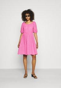 YAS - YASVOLANT DRESS SHOW - Denní šaty - azalea pink - 1