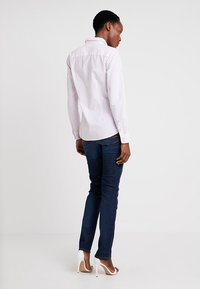 Tommy Hilfiger - HERITAGE REGULAR FIT - Button-down blouse - rose - 2