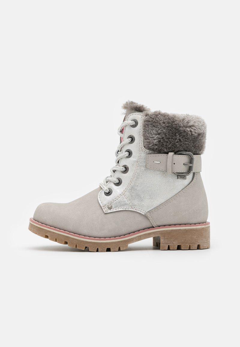 TOM TAILOR - Šněrovací kotníkové boty - ice