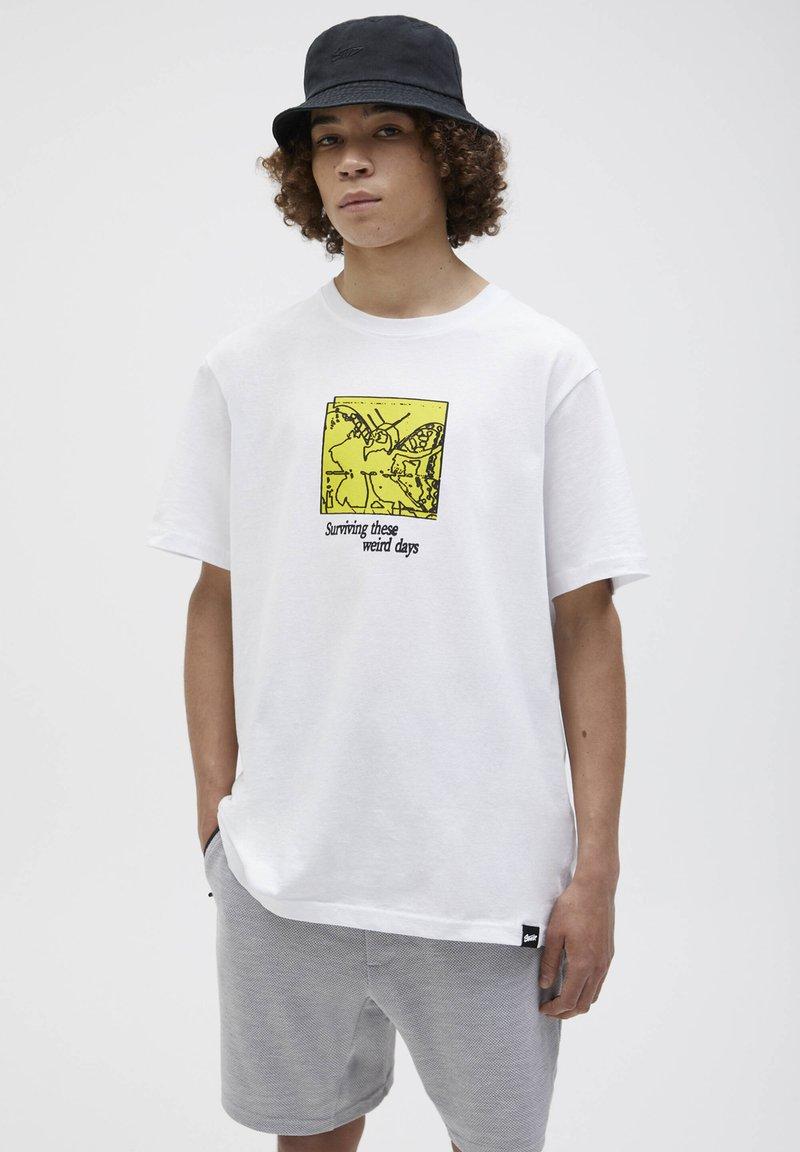 PULL&BEAR - Print T-shirt - white