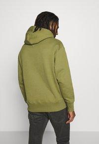 Tommy Jeans - BADGE HOODIE UNISEX - Sweat à capuche - uniform olive - 2