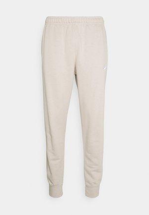 CLUB - Pantaloni sportivi - cream/white