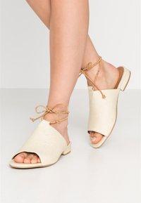 NAE Vegan Shoes - THEIA - Sandaalit nilkkaremmillä - white - 0