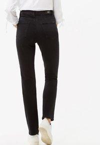 BRAX - STYLE CAROLA - Straight leg jeans - black - 2