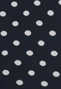 Petit Bateau - LAURYNE ROBE - Jersey dress - smoking/marshmallow - 2
