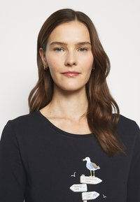 Barbour - SEAGRASS TEE - Long sleeved top - navy - 3