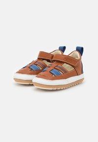 Robeez - MINIZ - First shoes - beige/fonce bleu - 2