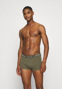 Calvin Klein Underwear - LOW RISE TRUNK 3 PACK - Culotte - blue - 0