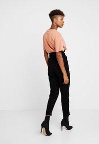 New Look - IRIS UTILITY TROUSER - Stoffhose - black - 3