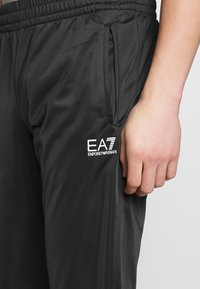 EA7 Emporio Armani - TUTA SPORTIVA - Survêtement - black - 8