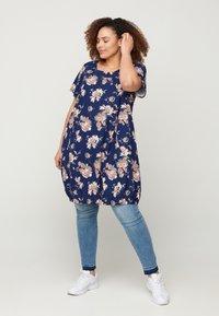 Zizzi - Day dress - blue flower - 1