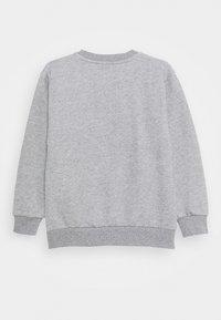 Versace - PRINT LOGO SHOW FULL UNISEX - Sweatshirt - grey melange/white - 1