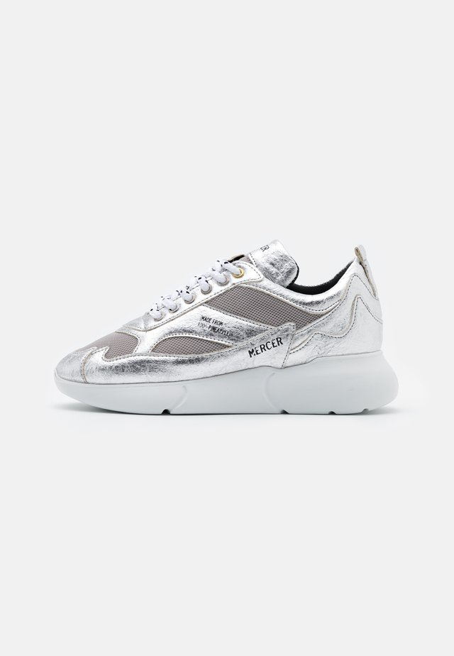 THE W3RD PINEAPPLE - Sneaker low - silver