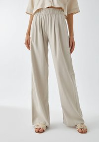 PULL&BEAR - Trousers - sand - 0