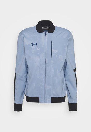 ACCELERATE JACKET - Sportovní bunda - washed blue