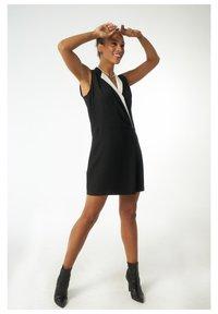 Auden Cavill - Shirt dress - schwarz - 0