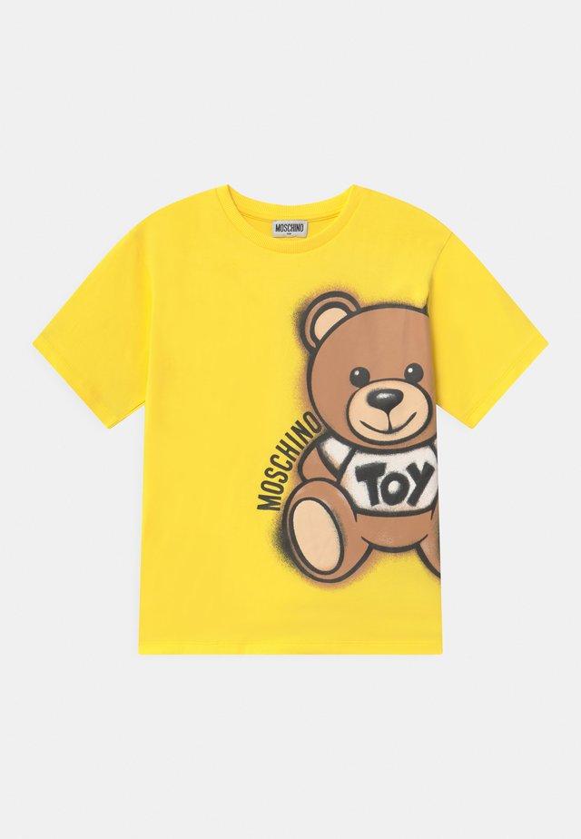 MAXI UNISEX - Camiseta estampada - cyber yellow