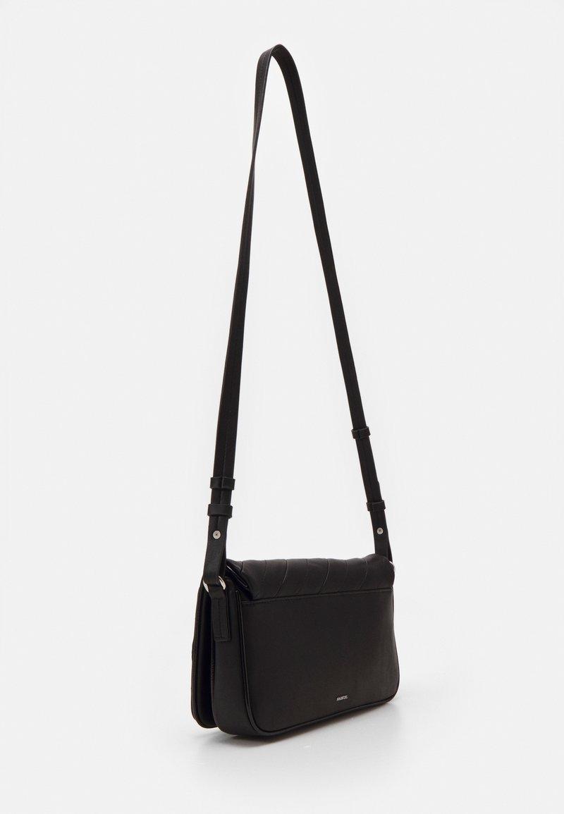 PARFOIS - ENVELOPE BAG - Across body bag - black