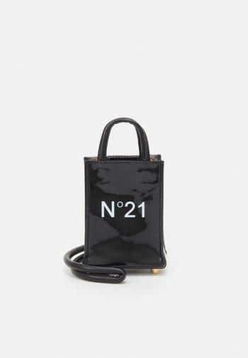 NANO - Across body bag - black