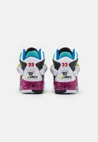Ewing - ROGUE X YO! MTV RAPS - Höga sneakers - white - 2
