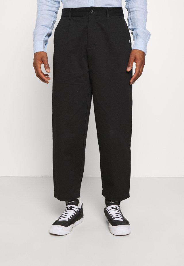 PLEATED TROUSER - Pantaloni - black