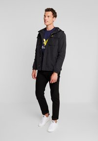 Lyle & Scott - POCKET JACKET - Outdoor jakke - true black - 1