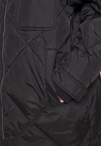 Tommy Jeans - DIAMOND QUILTED COAT - Winterjas - black - 5
