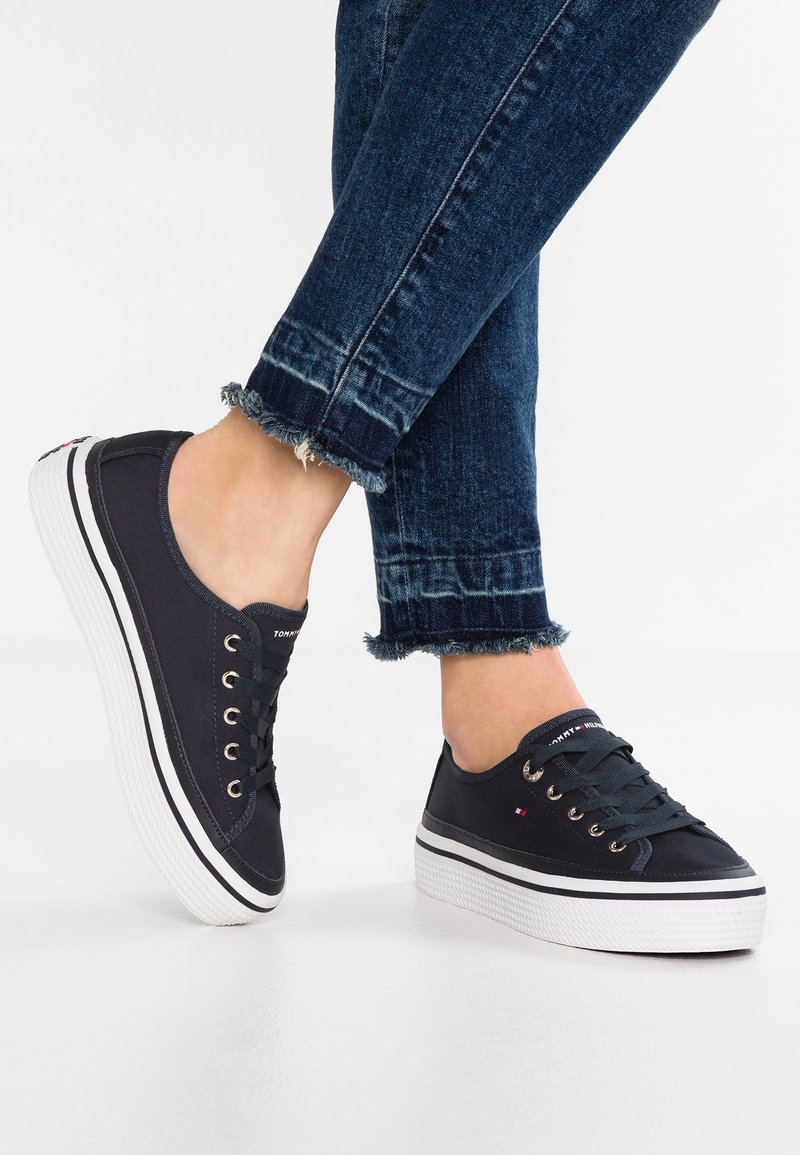Tommy Hilfiger - CORPORATE FLATFORM SNEAKER - Trainers - midnight