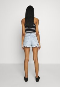 Rolla's - DUSTERS - Denim shorts - bleached denim, destroyed denim - 2