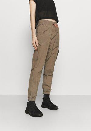 HANNAH - Pantalones deportivos - trek grey