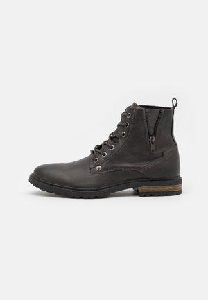 Šněrovací kotníkové boty - grey dark