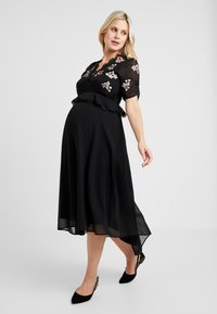 Hope & Ivy Maternity - EMBROIDERED MIDI DRESS - Day dress - black - 0