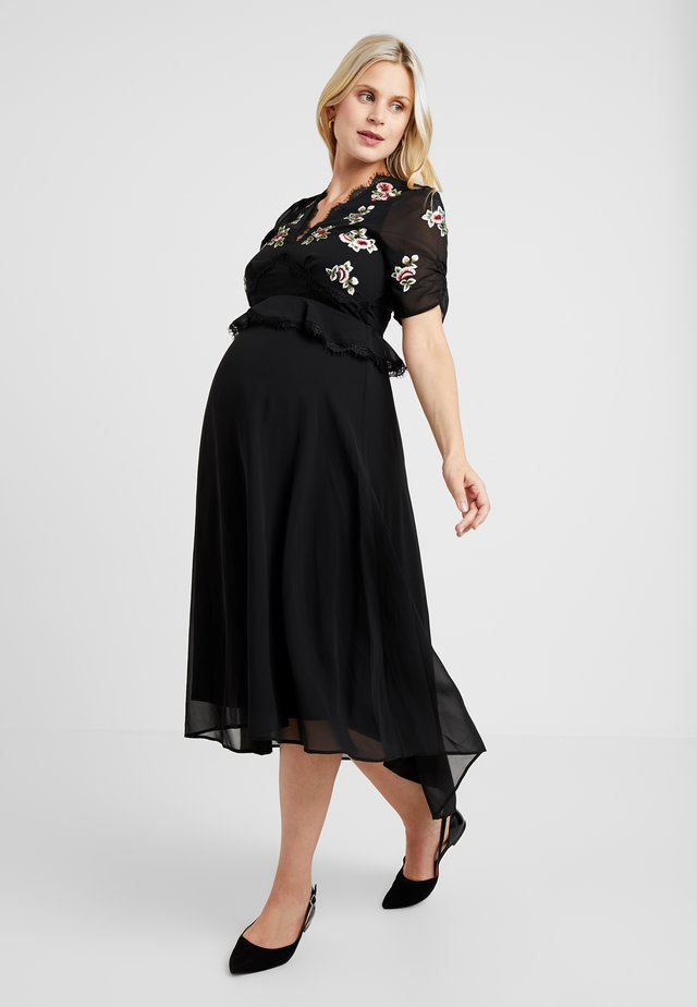 EMBROIDERED MIDI DRESS - Korte jurk - black