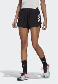 adidas Performance - 3-STRIPES SPORTS LOOSE - T-shirts med print - black/white - 3