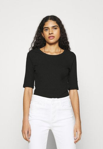WIKTORIA - Basic T-shirt - black