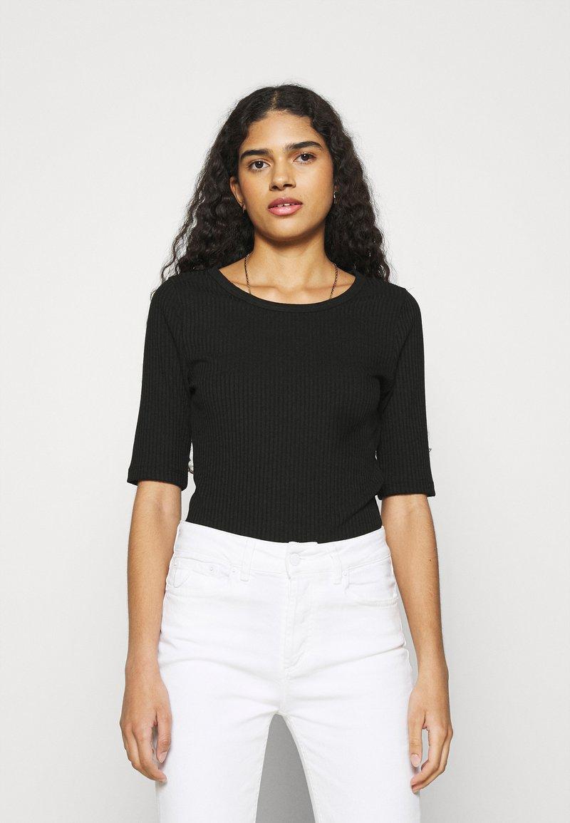 mbyM - WIKTORIA - Basic T-shirt - black