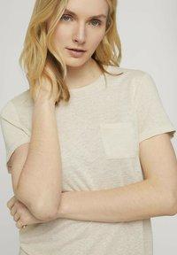 TOM TAILOR - T-shirt - bas - linen white - 3