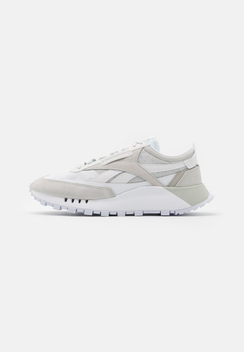 Reebok Classic - CL LEGACY UNISEX - Trainers - white/trace grey/skull grey