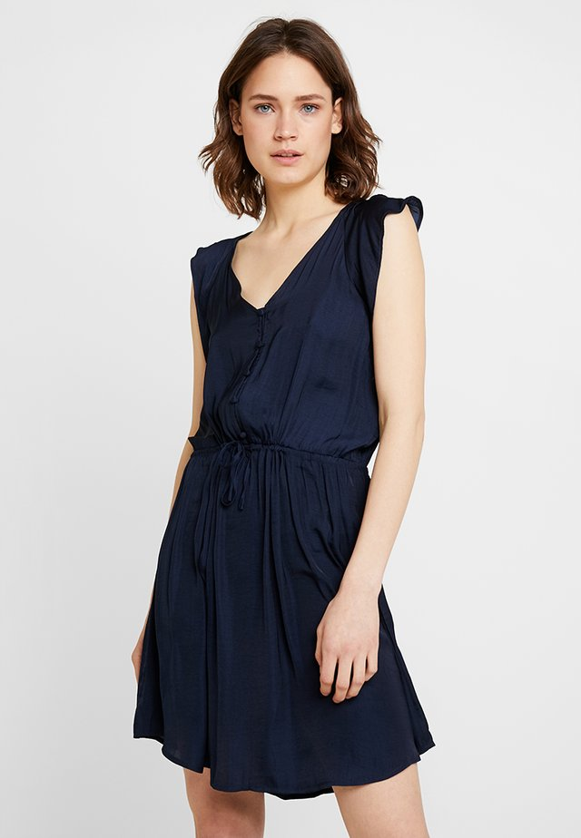 FLUTTER TIE WAIST RUMPLE DRESS - Paitamekko - classic navy