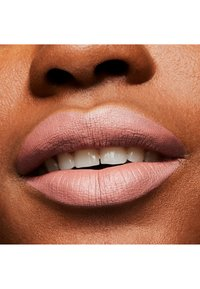 MAC - MATTE LIPSTICK - Lipstick - velvet teddy - 8