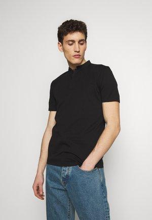 LOUIS - Basic T-shirt - black